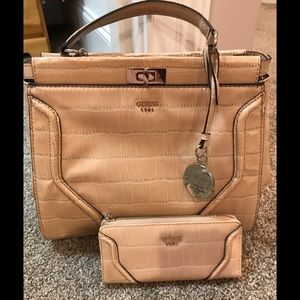 NWT! Guess Faux Leather Purse w/Matching Wallet
